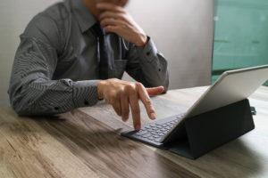 Terceirizar o marketing digital para aprimorar presença online