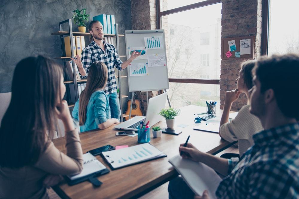 Quais serviços são oferecidos por uma consultoria em marketing digital?