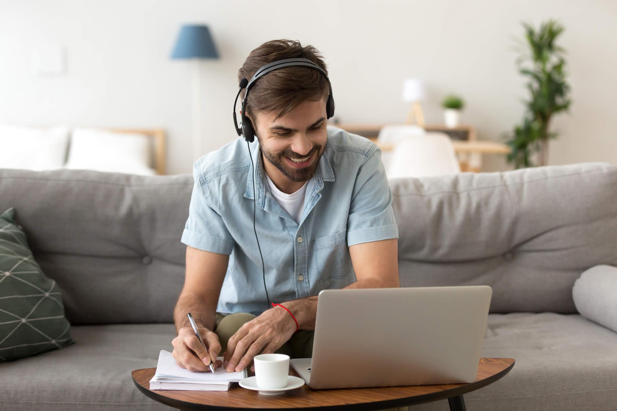 Entenda o que é webinar e como realizar um na sua empresa